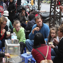 Hanoi street food tour in Old quarter