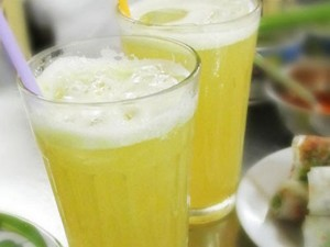 sugar cane juice on street