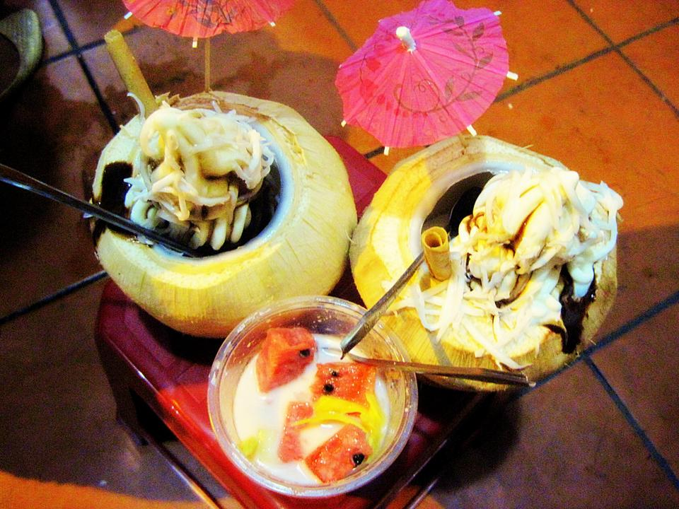 coconut ice cream - hanoi street food