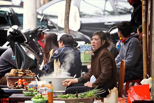 hanoi street food taste